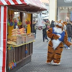 ESSO TIGER ToonWalk Nürnberg 01-02-14 walkact event promotion 5 © TIGER-OFFICE.NET