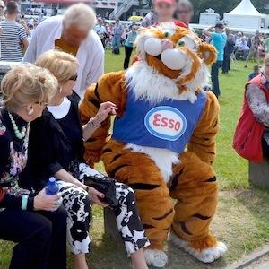 ESSO 145 Deutsches Derby Meeting Hamburg 05-07-14 20 © TIGER-OFFICE.NET