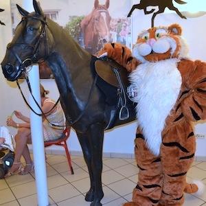 ESSO 145 Deutsches Derby Meeting Hamburg 05-07-14 8 © TIGER-OFFICE.NET